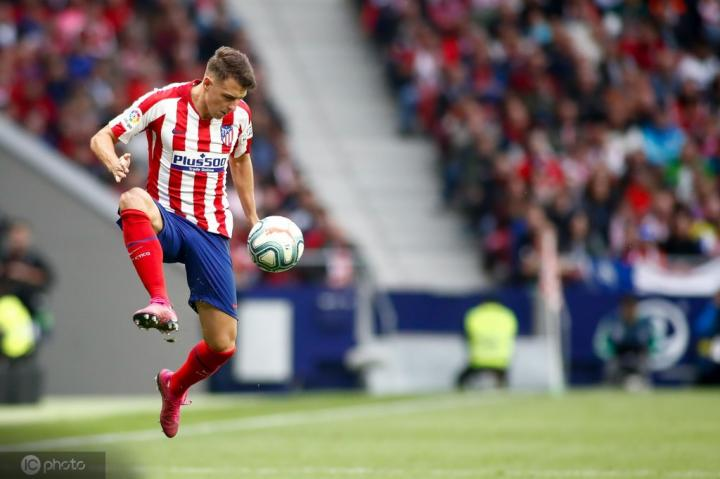 都体:米兰可能签下马德里竞技后卫阿里亚斯