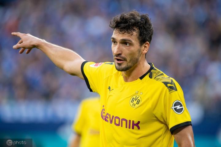 踢球者德甲周最佳:胡梅尔斯第三次入选,拜仁无人在列