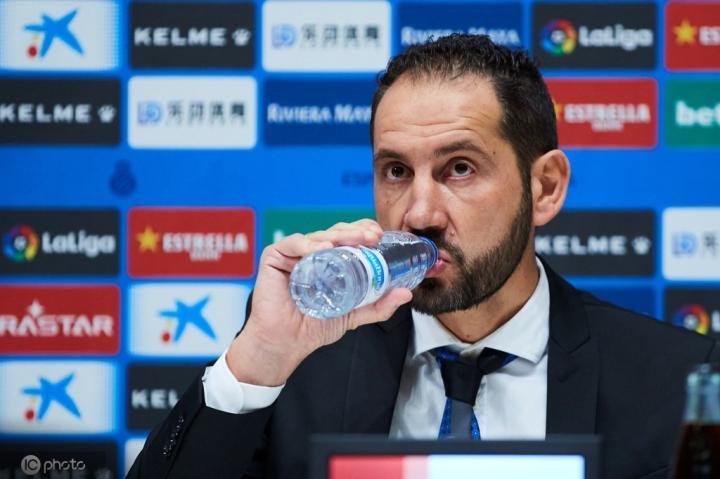 西媒:求援,西班牙人有意租借皇马球员马里亚诺和迪亚兹