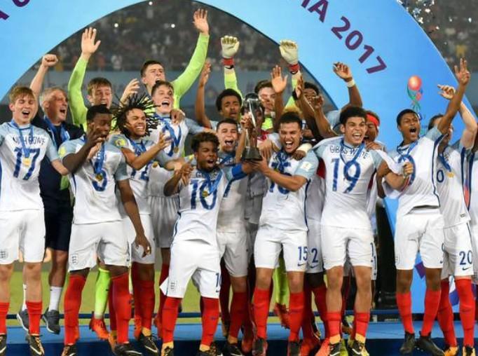曼联小将回忆英格兰U17世界杯夺冠:两年前我们都很棒!