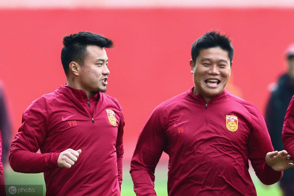 蔡慧康:国家队训练量很大,不知道瘦了多少