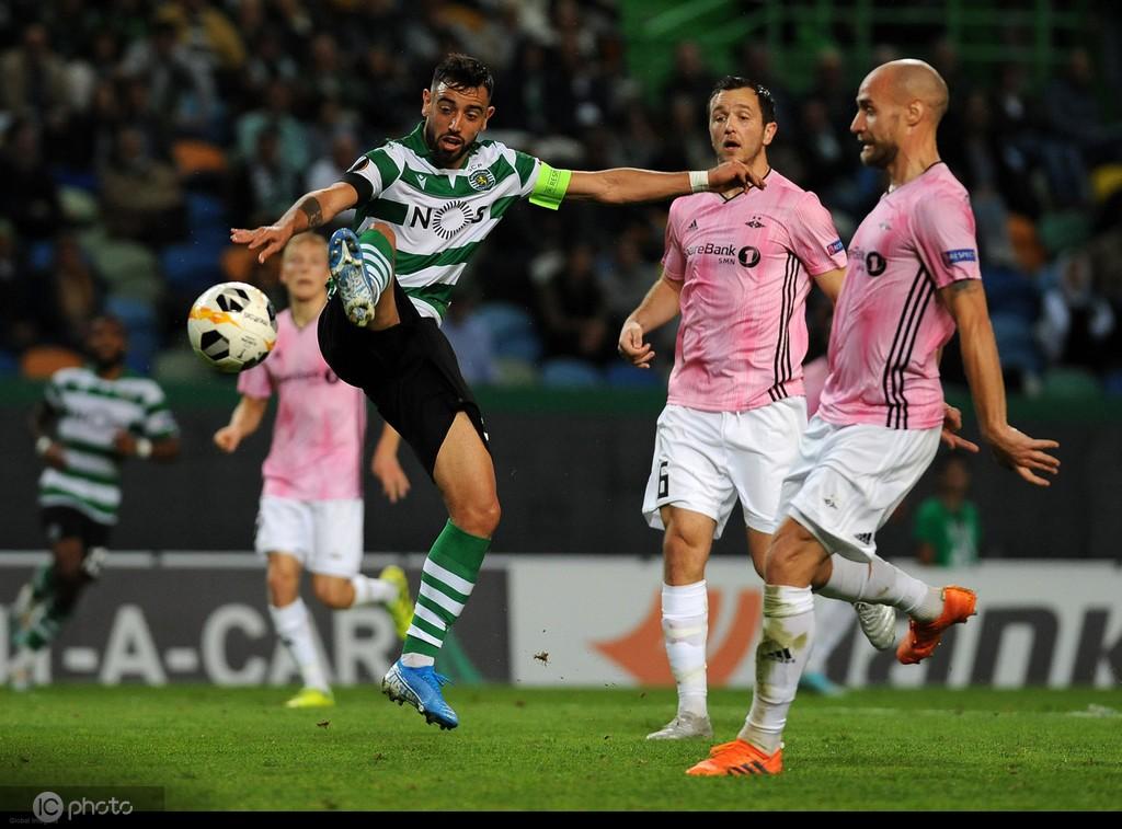 费尔南德斯 纪录报:葡萄牙体育对布鲁诺-费尔南德斯的要价是6700万欧元