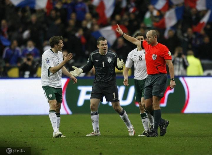 法国vs爱尔兰争议战主裁:现在见到亨利,我不会跟他说话的