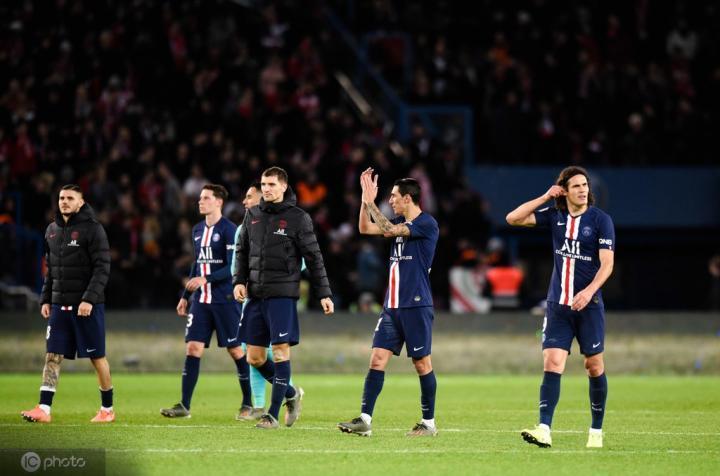 法甲次席马赛差榜首大巴黎11分,榜尾差第二名的差距也是11分
