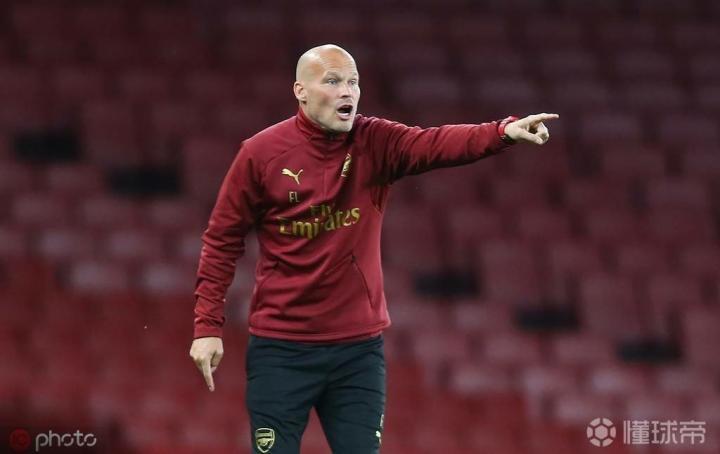 卡拉格:我对永贝里的用人感到惊讶,他让状态不好的球员首发