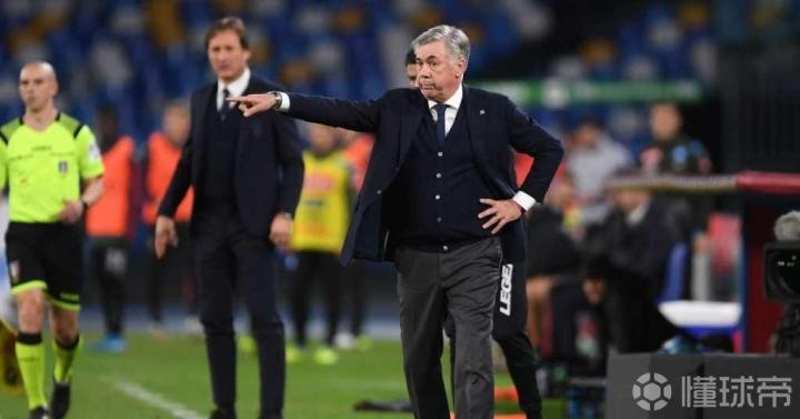 足球市场:那不勒斯的球员接受了安帅进行封闭集训的决定