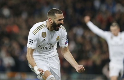 奥拉斯:本泽马是法国最好球员之一,希望他能在里昂退役