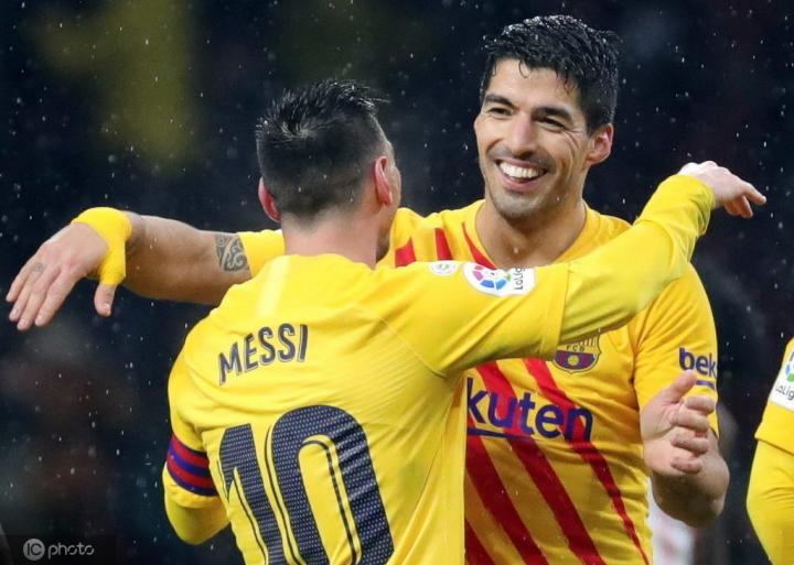 苏亚雷斯评心中五佳前锋:梅西、大罗、巴蒂、弗兰、罗马里奥