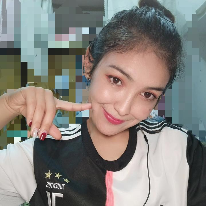 女球迷采访:喜欢C罗、迪巴拉的新疆姑娘,她还在校队踢前锋