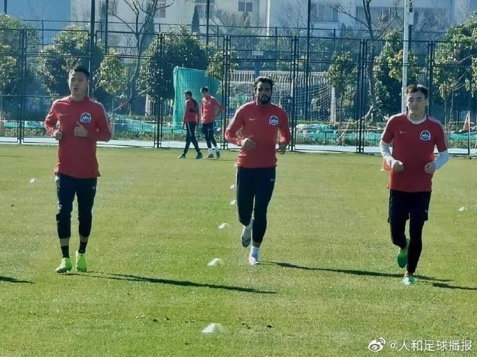 博主:人和球员罗歆合同到期,正在河南建业试训