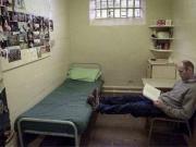 英国将暂时释放约4000名囚犯,预防新冠病毒集中传播