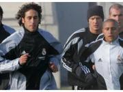 前皇马体能教练:卡洛斯百米跑只需10.8秒,劳尔跑马拉松很强