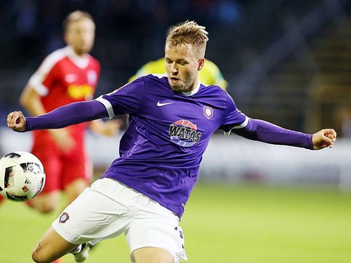 踢球者:纽伦堡和巴恩斯利想要柏林赫塔前锋小科普克