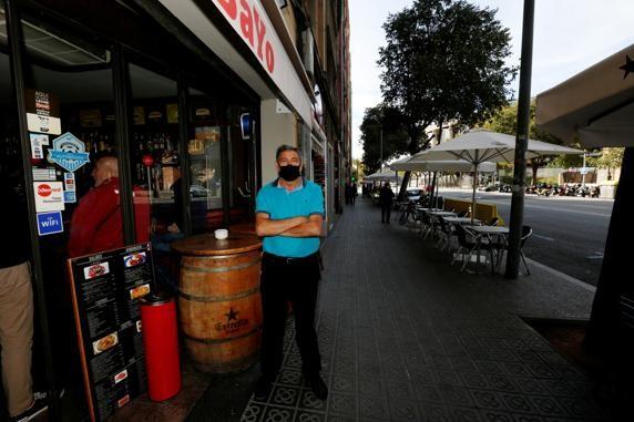 疫情导致客流断档,诺坎普周边酒吧面对破产危险