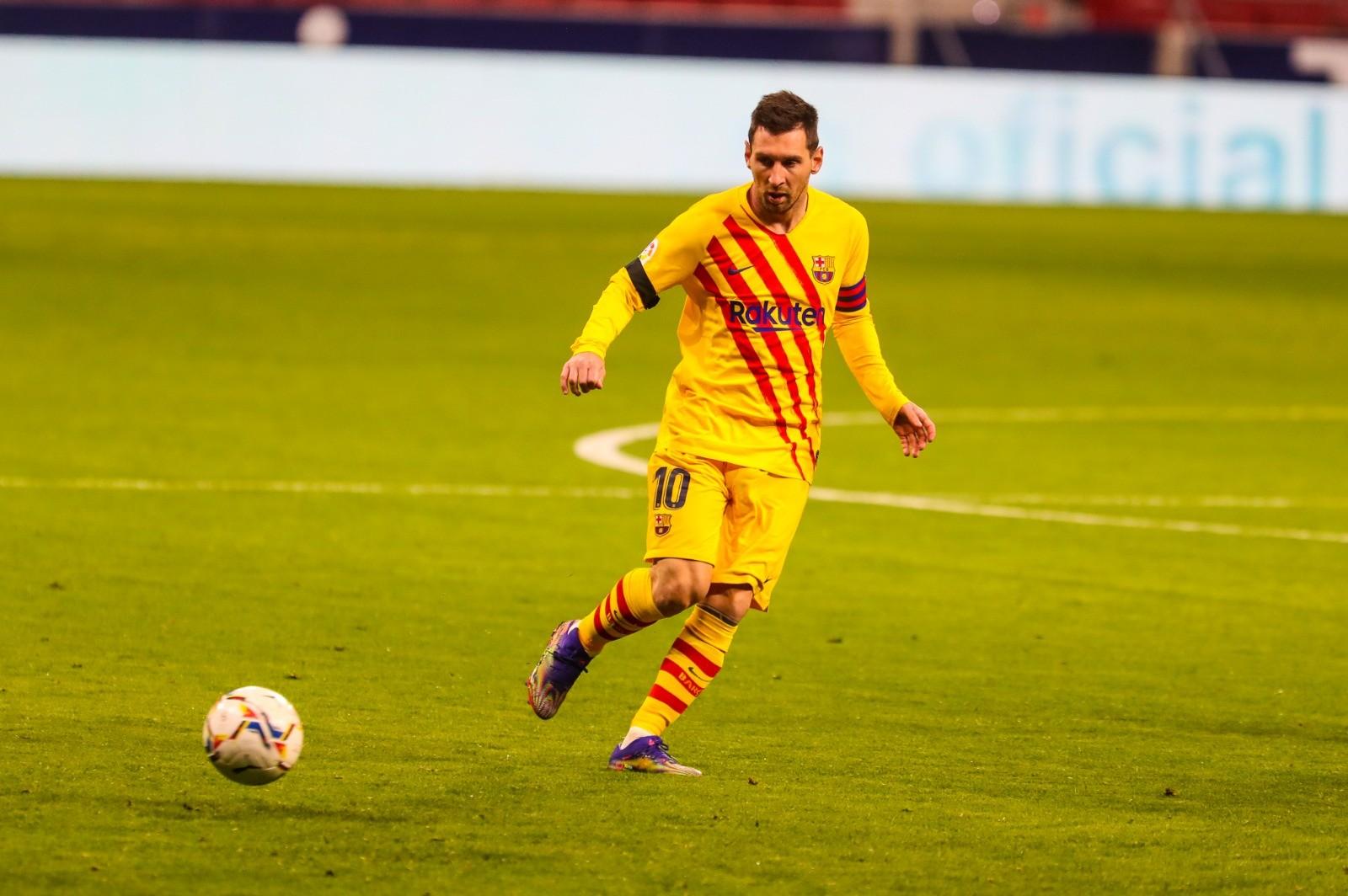 战马竞梅西仅给进攻线队友传了8次球,丢失球权达23次