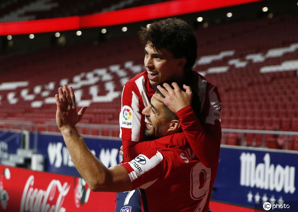 首发出战的菲利克斯在禁区内抢点破门,协助马德里竞技扳平比分